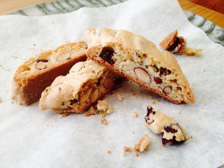 cranberry-almond-biscotti-with-fennel-seeds